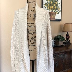{MOSSIMO} CREAM CABLE KNIT LONG CARDIGAN